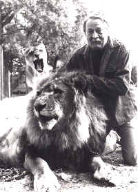 Theodore Taylor and pet lion